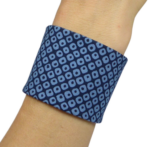 Bracelet en tissu japonais, motif géométrique bleu